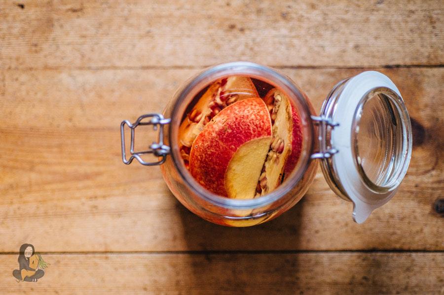 Geschenke aus der Küche - Granatapfel-Likör