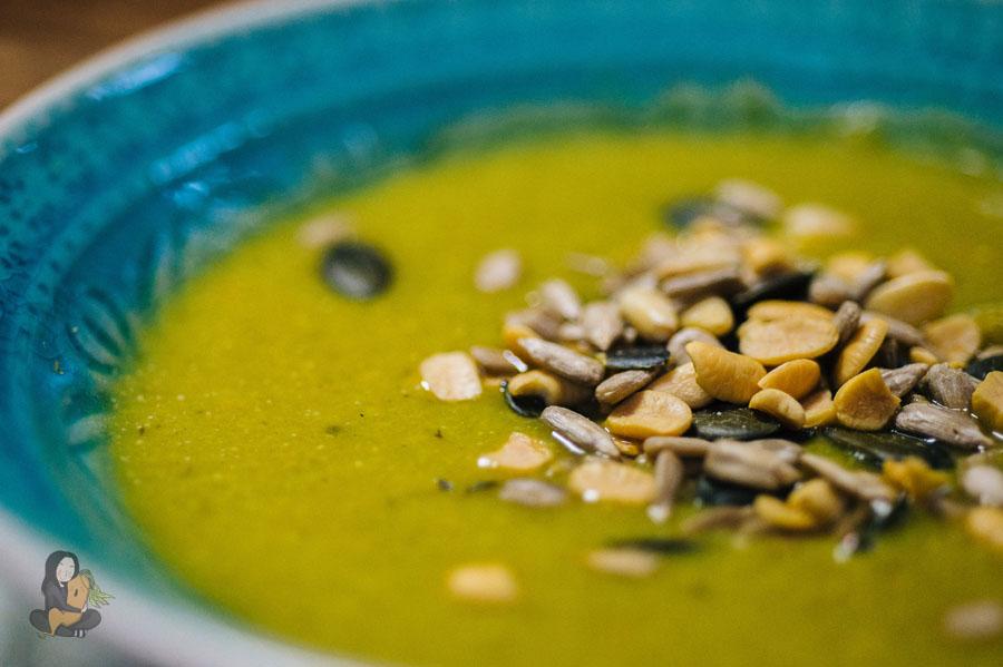 vegane Rosekohl Ingwer Suppe