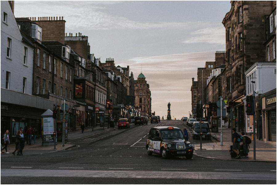 Auszeit in Schottland - Straße in Edinburgh