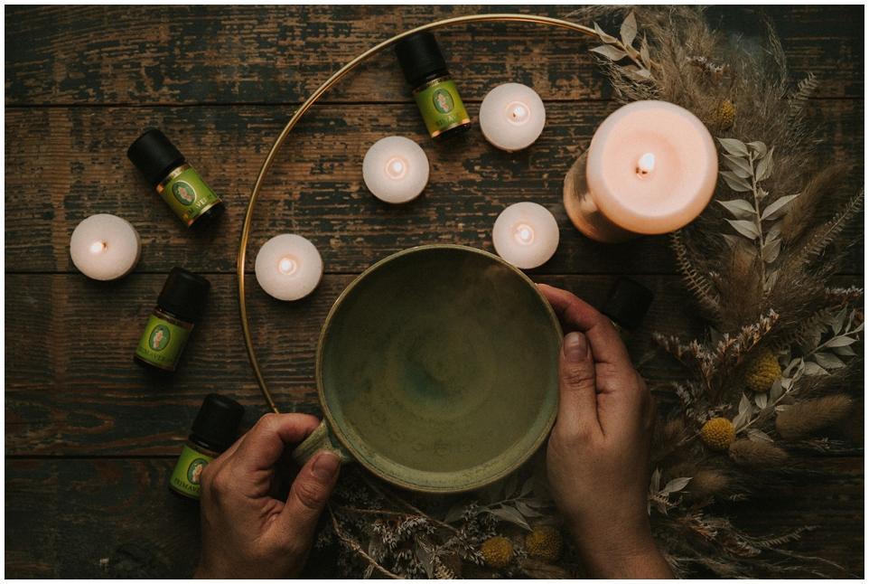 Mit ätherischen Ölen durch den Zyklus | Frauenkraft